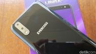 Unboxing Ponsel Empat Kamera Murah dari Evercoss