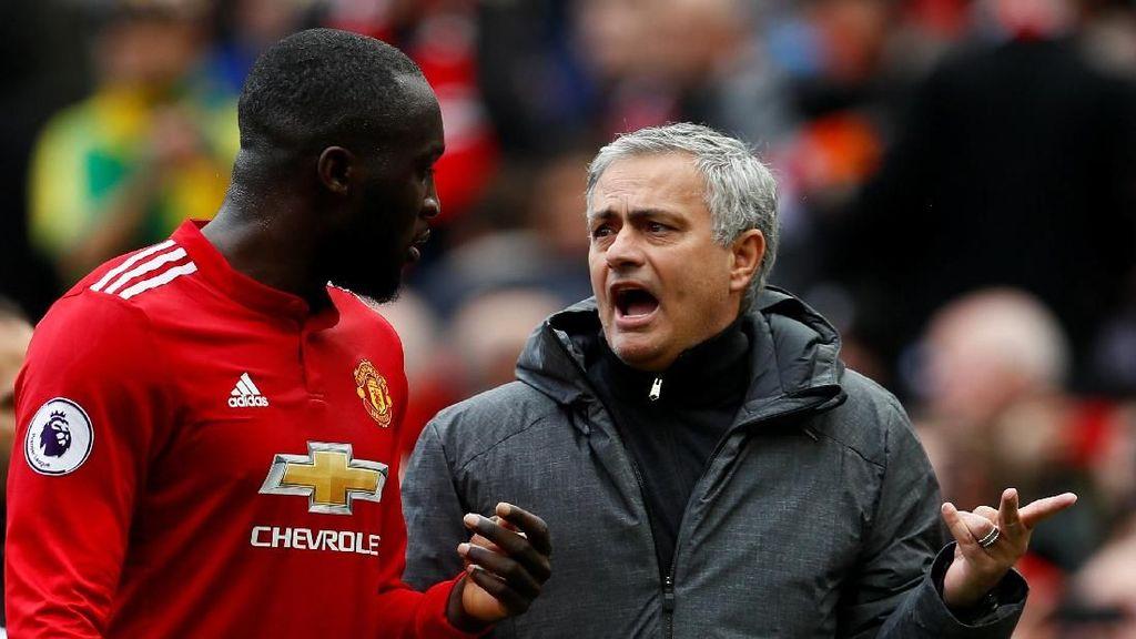 Kritik Terbuka Legenda MU ke Mourinho
