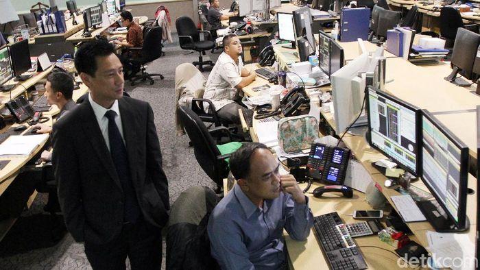 Indeks Harga Saham Gabungan (IHSG) diprediksikan masih terus bergerak untuk kembali bangkit ke teritori positif. Pelaku bisnis brokerage pun optimis, perdagangan saham akan kembali bergairah ke arah positif. (Foto: Rachman Haryanto)