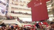 Fans Liverpool Merahkan Mall Taman Anggrek