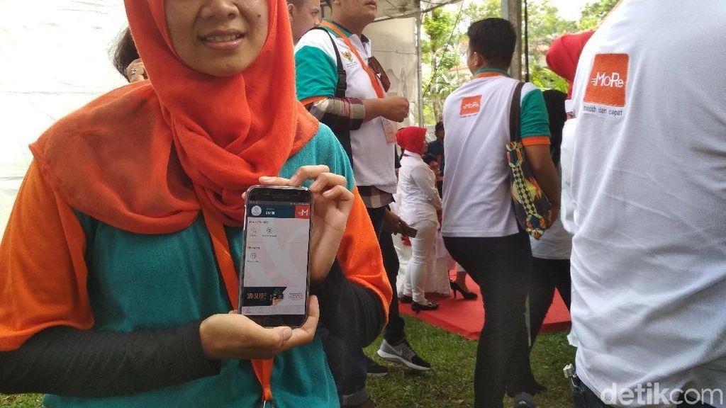 TKI Ini Semringah Bisa Kirim Uang ke Kampung Lewat Ponsel