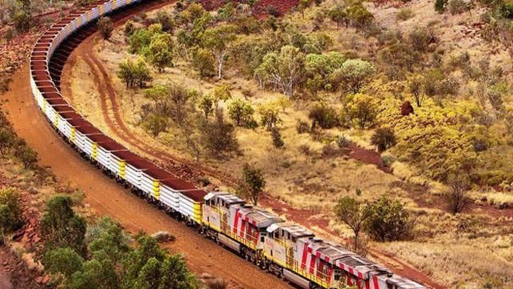 Bikin Geleng-geleng, 10 Kereta Ini Panjangnya Lebih dari 1 Km