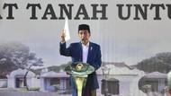 Jokowi Janji Naikkan Dana Kartu Sakti PKH 2 Kali Lipat
