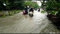 Jalan dan Tambak di Lamongan Terendam Banjir Luapan Bengawan Njero