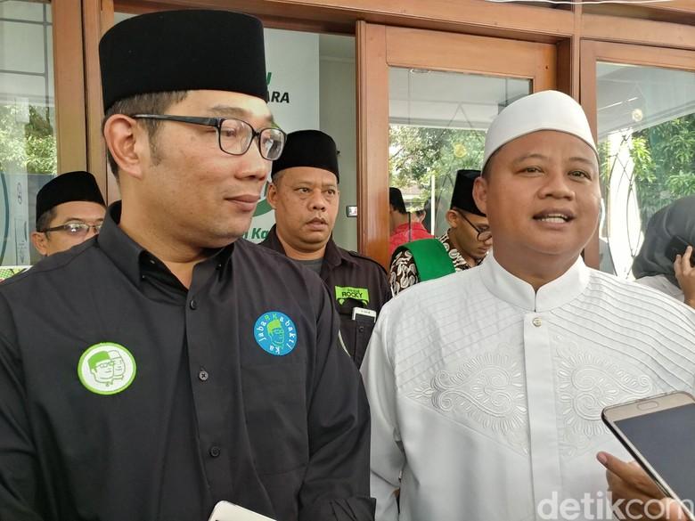 Jurus Ridwan Kamil Atasi Persaingan Barang Impor di Jabar