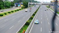 Ganjil Genap Berlaku, Kendaraan Masuk Tol Bekasi Turun 35%