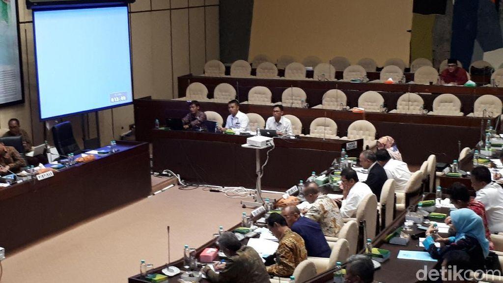 Menteri PAN-RB Jelaskan Soal Rekrutmen CPNS ke DPR