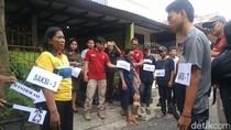 Pembunuh Meta di Semarang Disoraki Warga saat Rekonstruksi