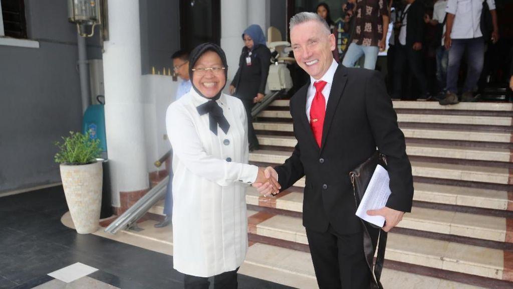Ke Surabaya, Wali Kota Liverpool Akan Diajak Hunting Foto Bersama