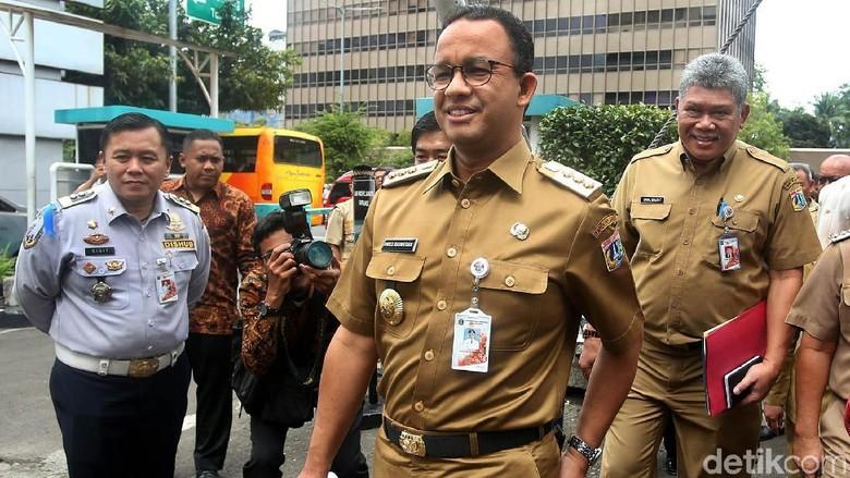 Anies: PKL Melanggar karena Kebutuhan, Gedung karena Keserakahan