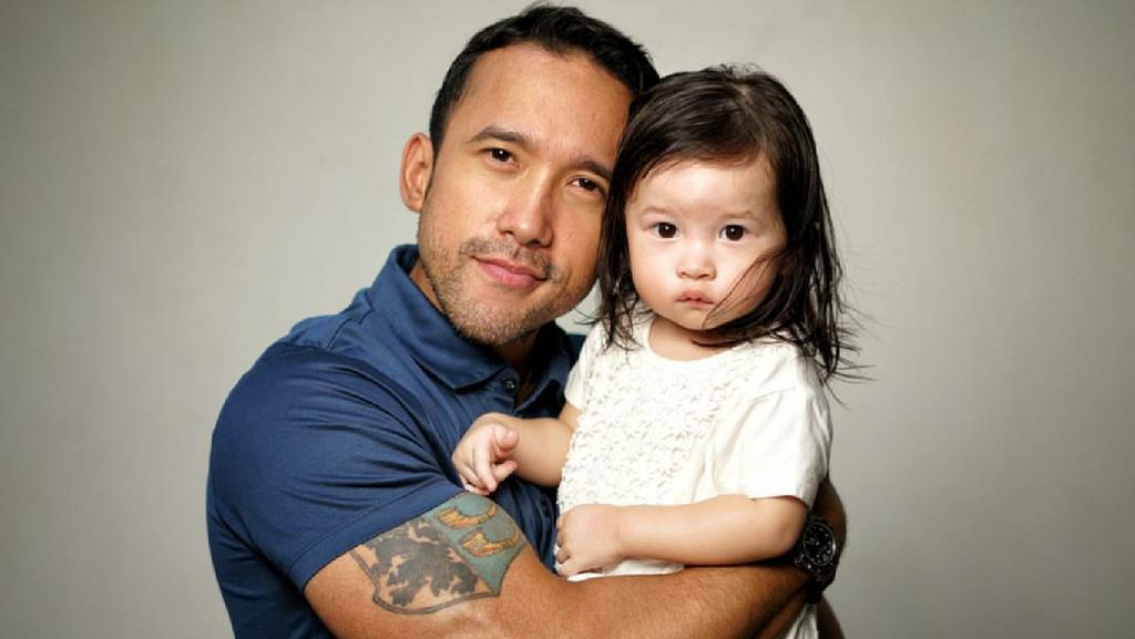 Potret Keseruan si Hot Daddy Maruli Tampubolon Bersama Putrinya