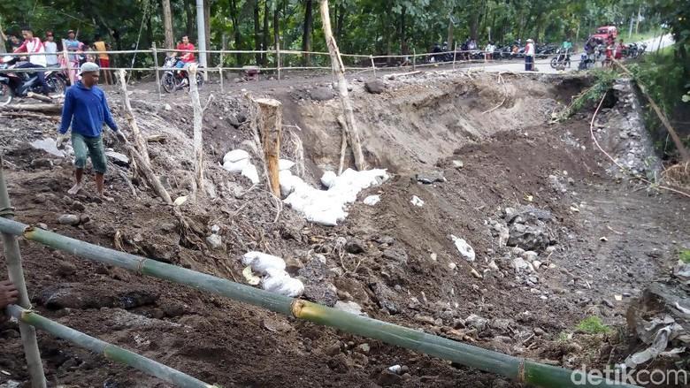 Jalur Putus ke Alastuwo Karanganyar Sudah Bisa Dilewati Motor