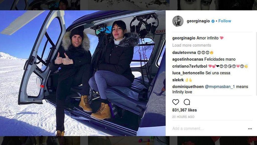 Pamer Kemesraan Ronaldo-Giorgina di Resor Ski