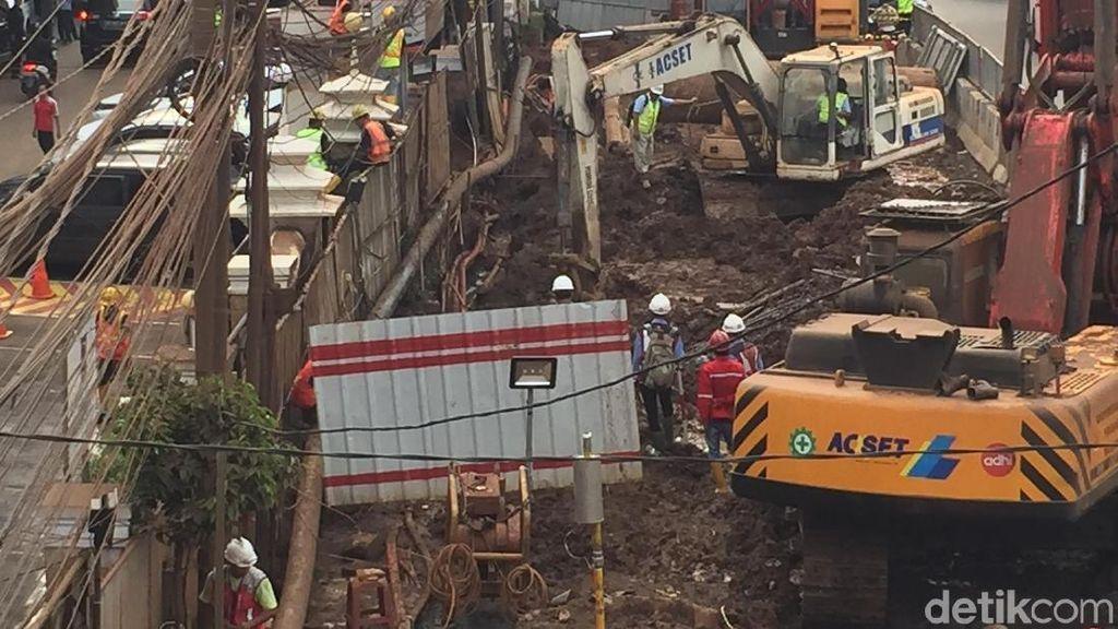 Pipa Gas Bocor di Proyek LRT, PUPR: Adhi Karya Pegang Peta Utilitas?