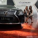 Sedan Mewah Lexus Jadi Rebutan Orang Kaya