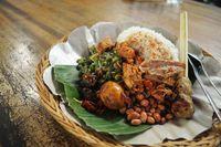 Nasi campur khas Bali.