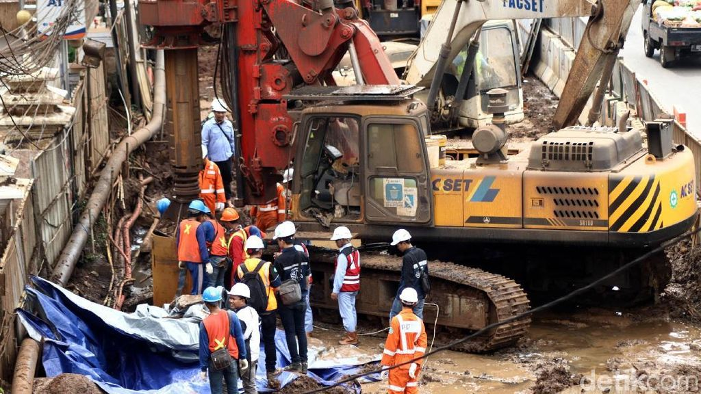 Proyek LRT Jabodebek Kejar Tayang, Kontraktor Abaikan Peta Utilitas