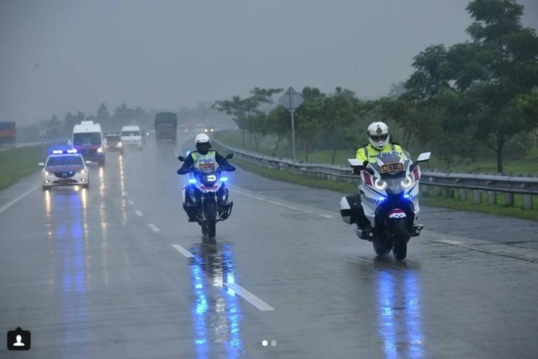 Hujan-hujanan Naik Moge, Kakorlantas Pantau Jalur Mudik 2018