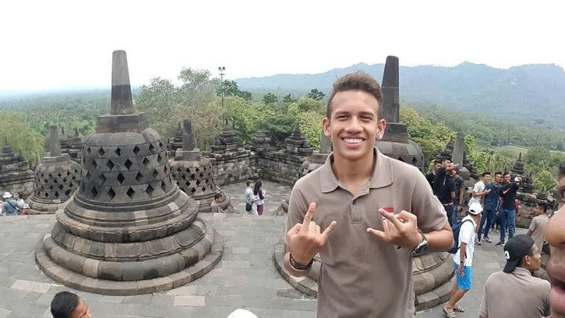 Wajah ceria Egy saat mengunjungi Candi Borobudur di Magelang, Jawa Tengah. Egy kini akan bermain untuk kesebelasan Lechia Gdansk (egymaulanavikri/Instagram)
