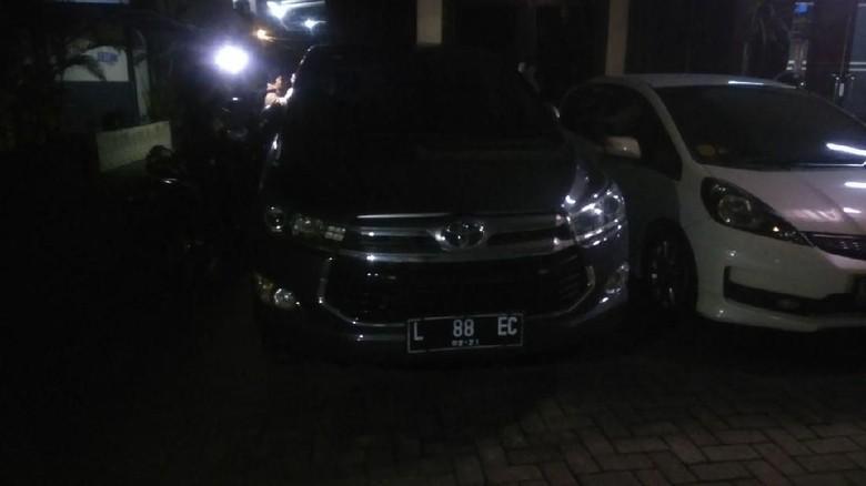 Mobil Pejabat Pemkot Surabaya Ditembak Orang Tak Dikenal