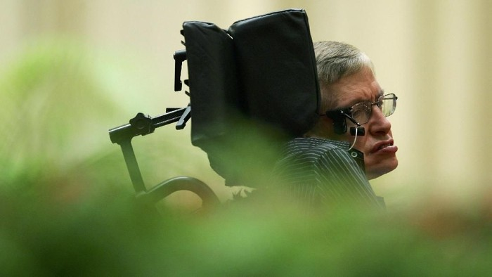 Stephen Hawking hidup berdampingan dengan ALS selama lebih dari 50 tahun. Foto: Getty Images