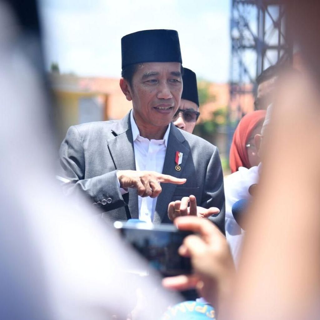 Ketua Golkar Minta Pengurus Partai Tak Bahas Cawapres Jokowi