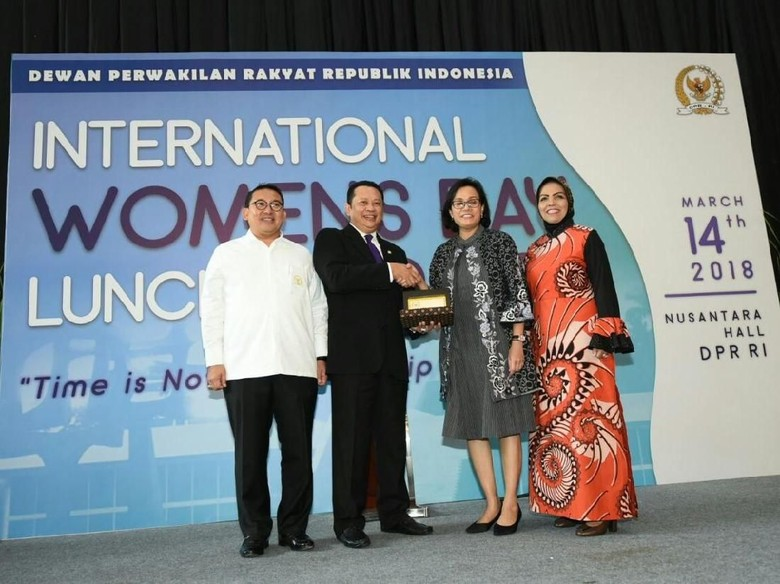 Bareng Fadli Zon, Bamsoet Beri Penghargaan ke Sri Mulyani