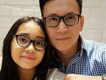 Menurut Bunda, Brinette dan ayahnya ini mirip aja atau mirip banget? (Foto: Instagram @marcelinolefrandt)