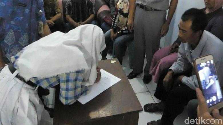 Mengintip Siswi Berantem dan Viral di Banjarnegara Teken Surat Damai