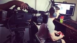 Orang yang suka main video game sering dianggap cupu karena hanya duduk di depan layar saja. Atlet eSport Censor membuktikan anggapan itu tidak selalu benar.