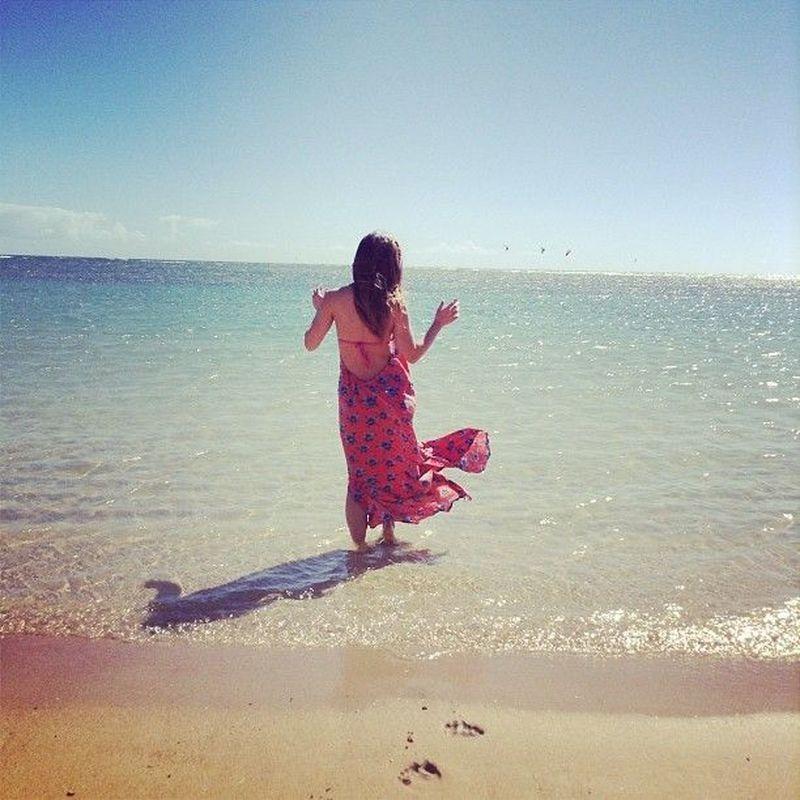 Michelle Phan mengawali karir sebagai beauty vlogger di Youtube tahun 2006. Mish (panggilan Michelle) juga senang traveling, foto ini diambil saat ia di Hawaii. (Michellephan/Instagram)