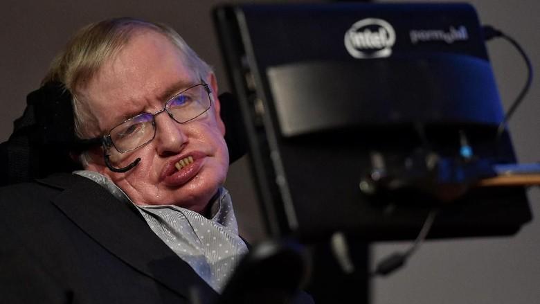 Tutup Usia 76 Tahun, Stephen Hawking Pernah Disebut Akan Mati Muda