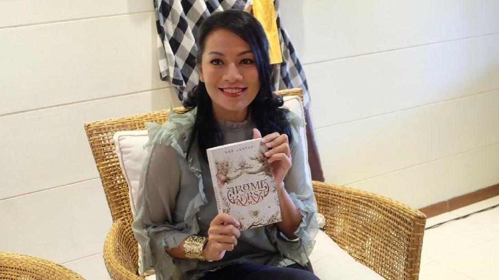 Dee Lestari Ceritakan di Balik Novel Aroma Karsa