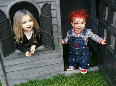Mirip, kan, Bun? Warna rambutnya juga sama dengan boneka Chucky. (Foto: Instagram @cosplay)