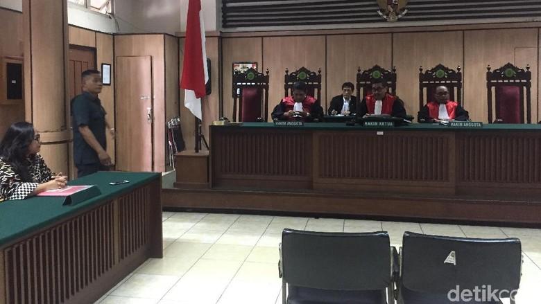 Saksi Tak Hadir, Sidang Cerai Ahok-Vero Ditunda Pekan Depan