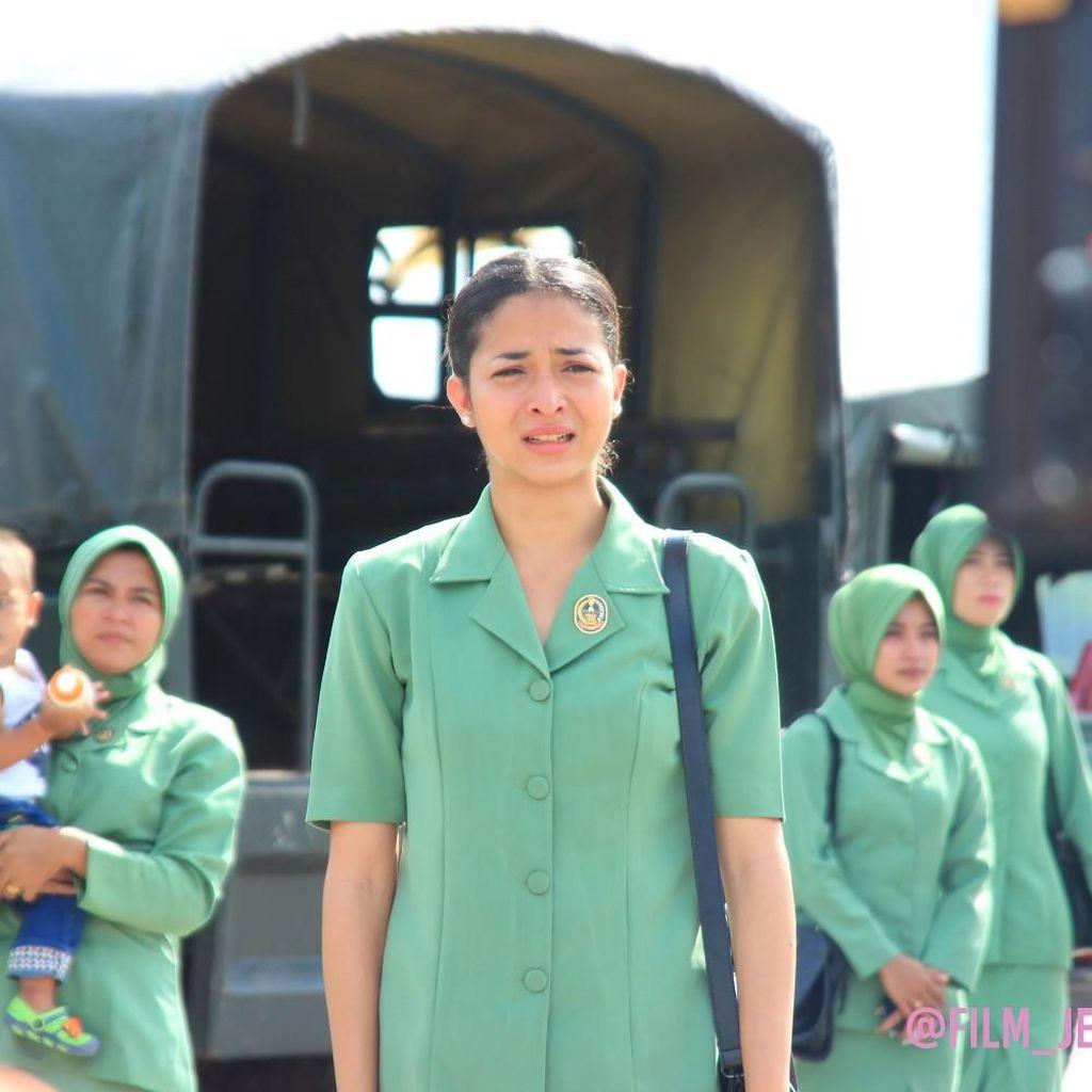 Putri Marino Perankan Istri Tentara dalam Jelita Sejuba