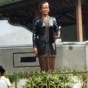 Sempat Dicat Sembarangan, Patung di Makam RA Kartini Dikembalikan ke Warna Asli