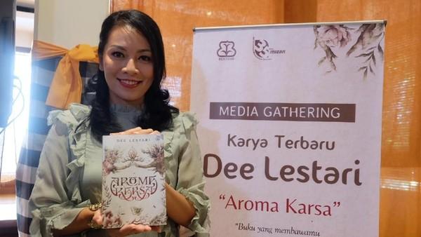 Demi Buku Baru, Dee Lestari Wawancarai Juru Kunci Gunung Lawu