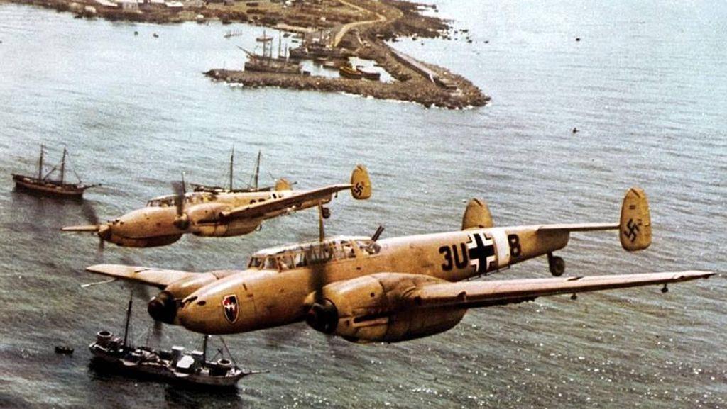 Potret Warna Langka Aksi Pesawat Nazi di Perang Dunia II