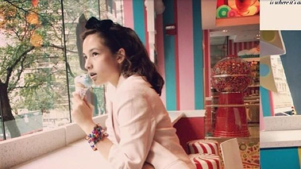 Doyan Makan Es Krim, 8 Seleb Ini Tetap Ramping dan Cantik