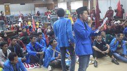 Tolak UU MD3, Puluhan Mahasiswa Sidoarjo Duduki Kantor DPRD