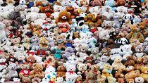 Pesan Penting dari Ratusan Teddy Bear yang Berjejer di Jerman