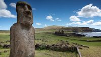 Patung berbentuk wajah di Pulau Paskah ( Hayk Hovhannisyan/CNN Travel)