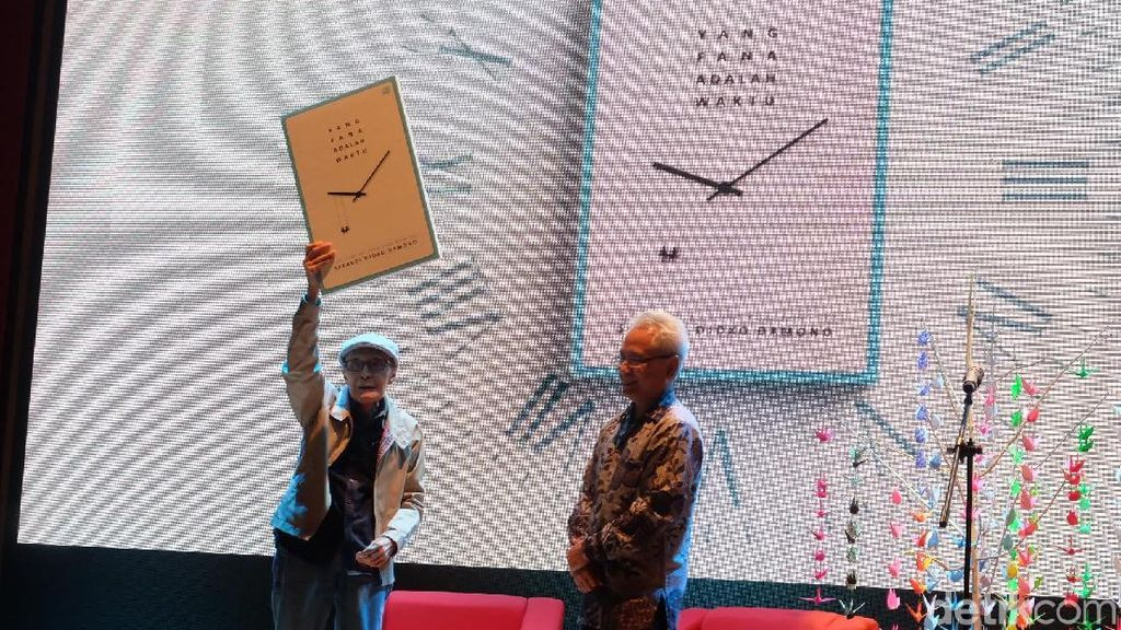Takut Pikun, Sapardi Djoko Damono Terbitkan Buku Setiap Bulan