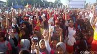 Ketika Ribuan Orang Ramai-ramai Minum Jamu di Alun-alun Cilacap