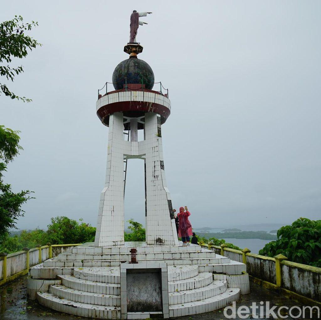 Foto: Bukit Toleransi Umat Beragama di Kepulauan Kei, Maluku
