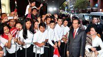 Tiba di Sydney, Jokowi dan Iriana Disambut Masyarakat Indonesia