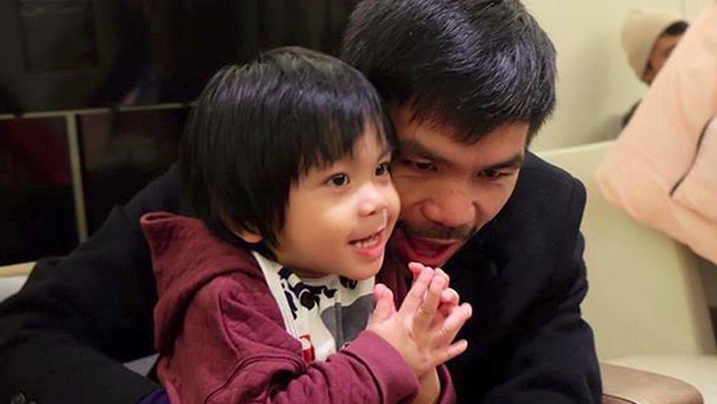 Meski Garang di Ring Tinju, Manny Pacquaio Kebapakan Banget Lho