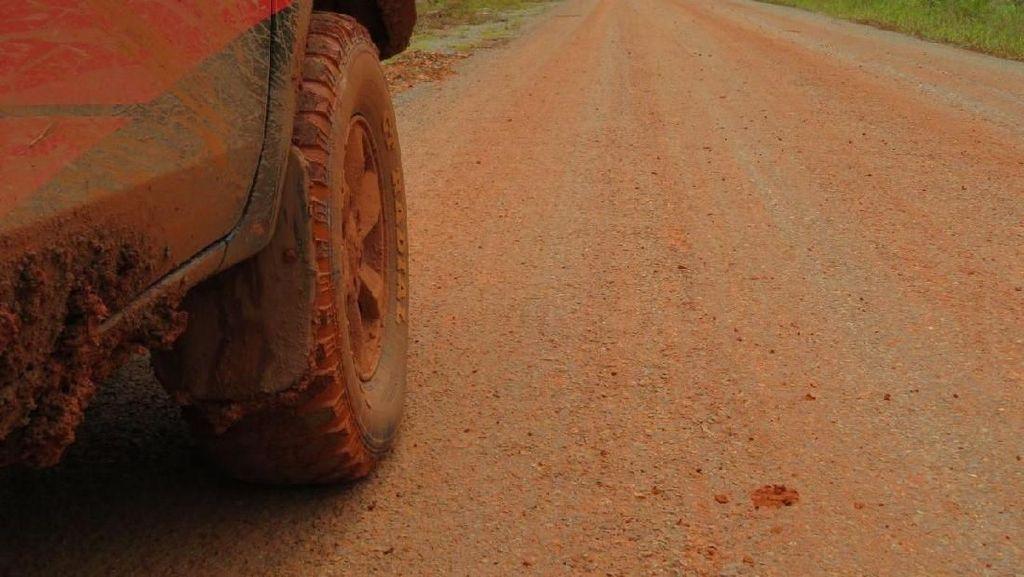Menjajal Jalan Trans Papua 431 Km Selama 8 Jam