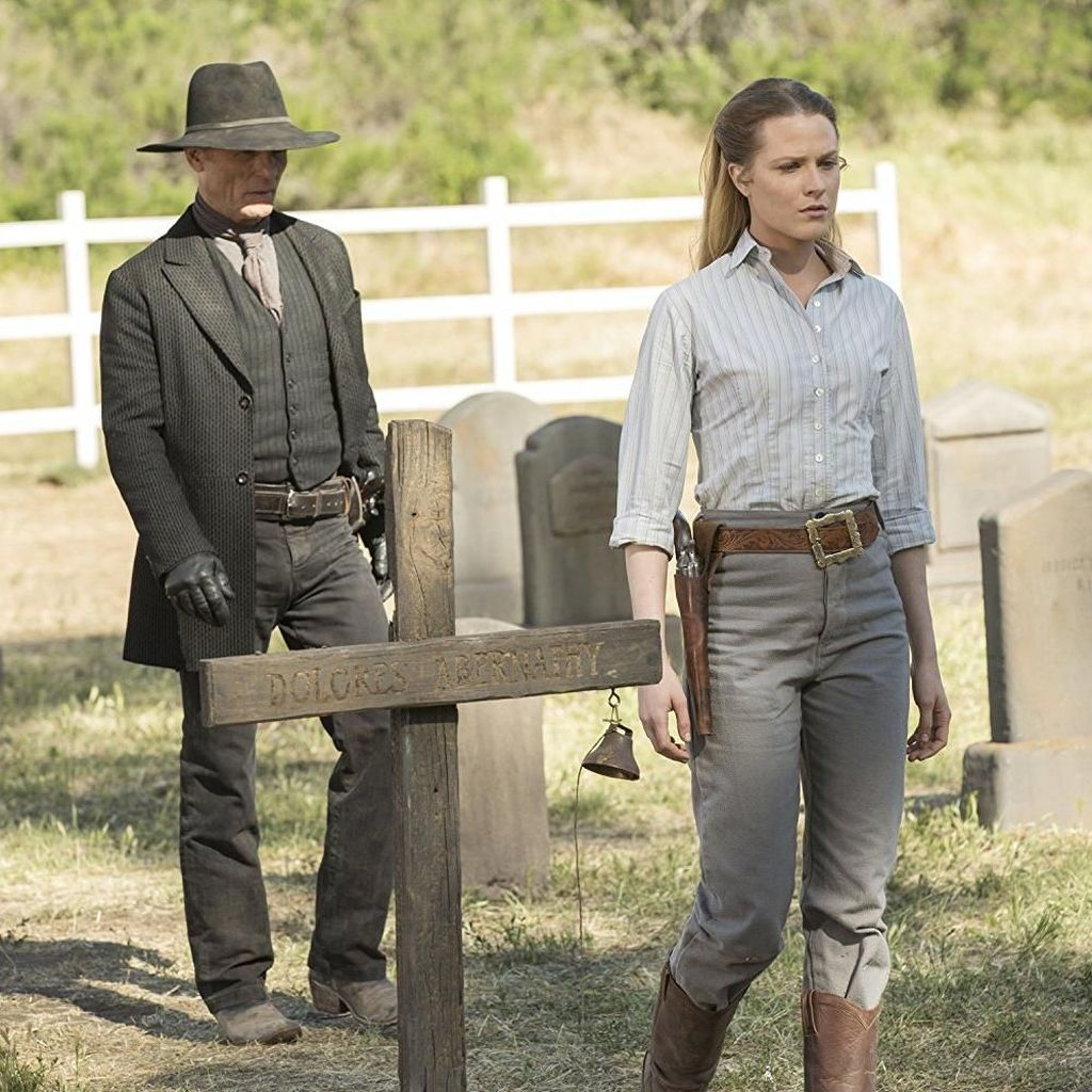 Evan Rachel Wood Bingung Perankan Dua Karakter di Westworld
